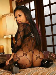 Beautiful TS Neveah playing with herself