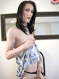 Introducing the newest hottie to our site, Jenny! Jenny is brand new to Canada and is an exciting addition to CanadaTgirl.com also. She is originally