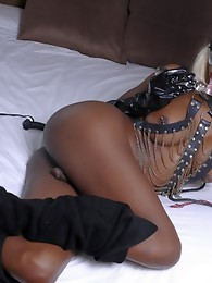 Naughty black TS Natassia fucking her ass