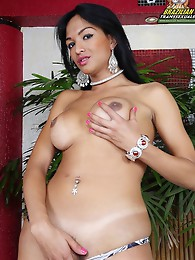 Smoking hot latin tranny babe