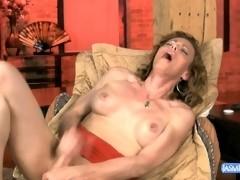 Mature tranny Jasmine Jewels jerking off