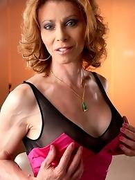Hot transsexual MILF exploring her juicy cock & asshole