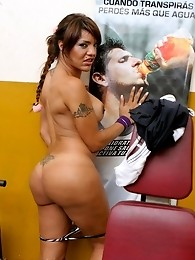 Beautiful shemale Belen masturbating in the gym
