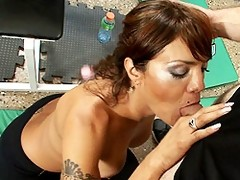 Belen & Jay Havign Some Sexual Fun In The Gym