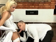 Smashing shemale bride kissing and feeding her beefy meat to her husband