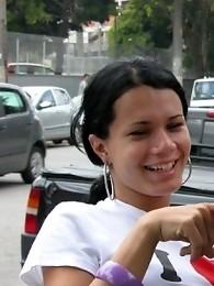 Nikki Montero picking up Fernanda Barros in the streets