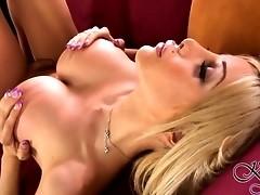 Irresistible tgirl Kimber James pleasing herself